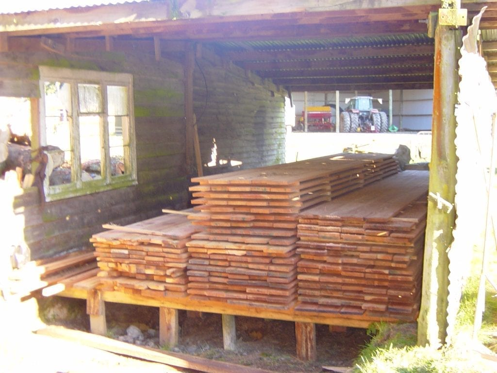 Portable sawmill timber stack