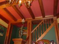 Interior photo from Glenn Marquette's house.