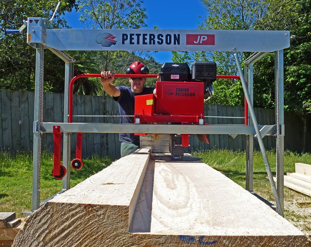 Junior Peterson straight cutting timber