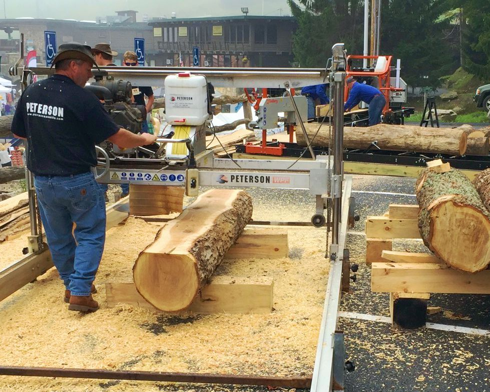 Portable Sawmill being demonstrated in Pennsylvania